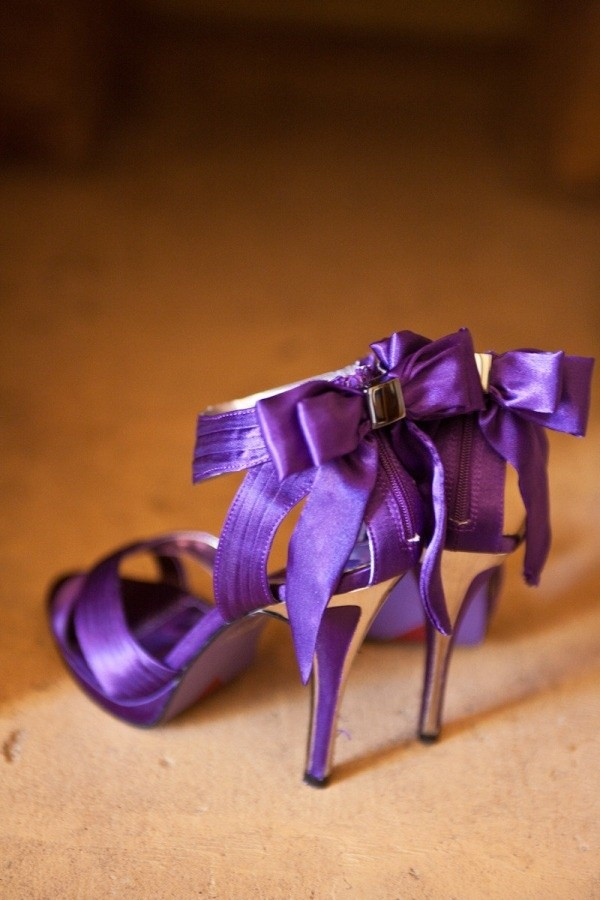 confortable purple wedding shoes