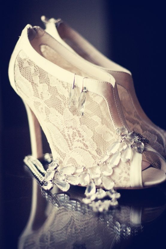 Ivory Theme Lace Wedding Shoes For Brides