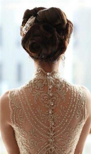 vintage wedding dresse with beautiful back