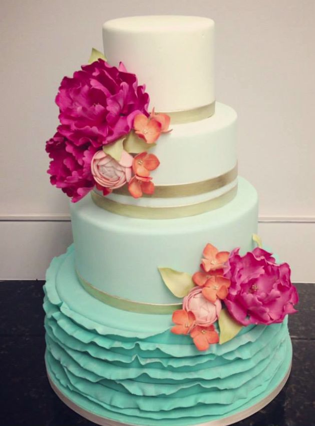 Ombre Wedding Cake Inspiration mint white gold