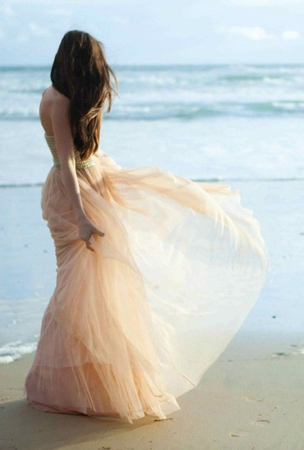 Relaxed Beach Wedding Dresses