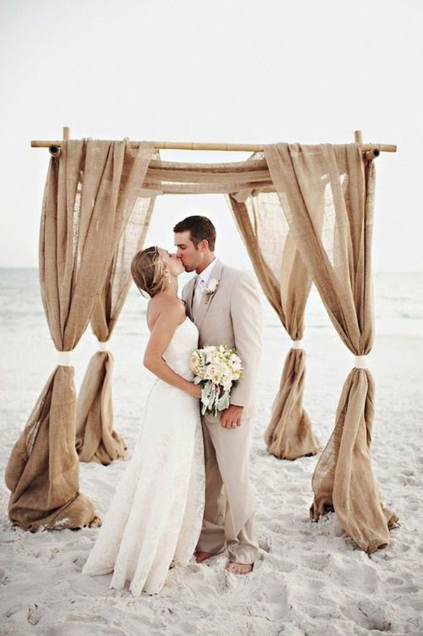 Simple beach wedding dresses for 2016 beach weddings for Lace beach wedding dresses