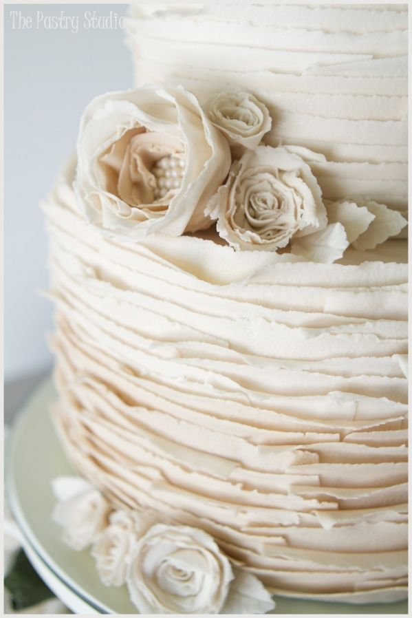 ombre vintage wedding cake with pearls and roses