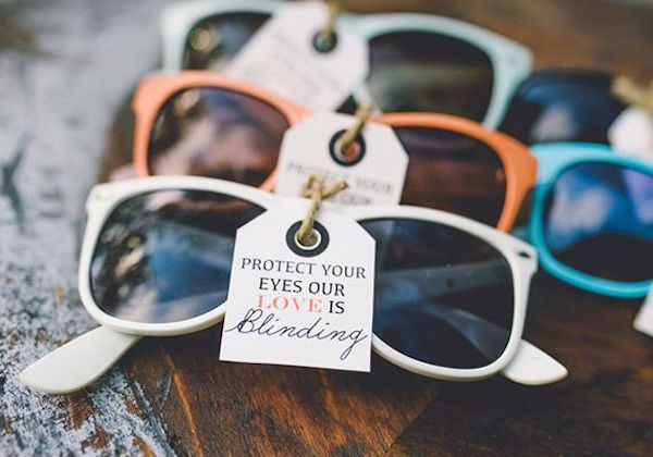 Wedding-Favors-sunglasses for outdoor wedding