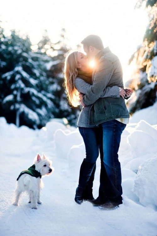 Superlative Winter Engagement Picture Ideas