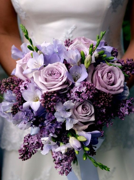 wedding flowers Lilacs for purple wedding