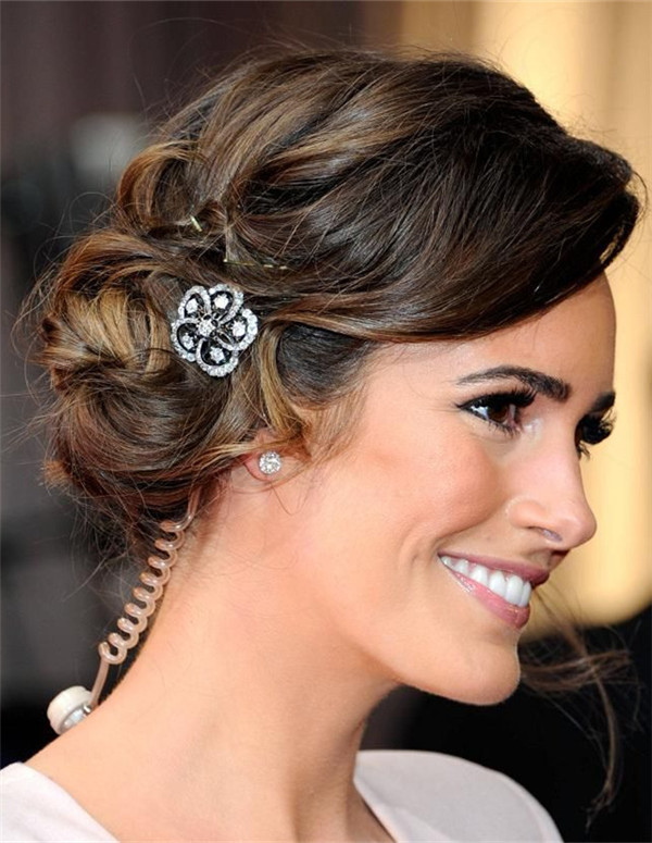 Medium Wedding Hairstyles: 10 Fantastic Wedding Hairstyles For Short Hair