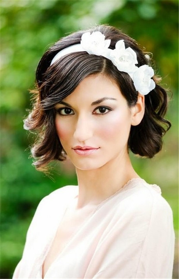 10 fantastic wedding hairstyles for short hair short wavy curly wedding hairstyles junglespirit Gallery