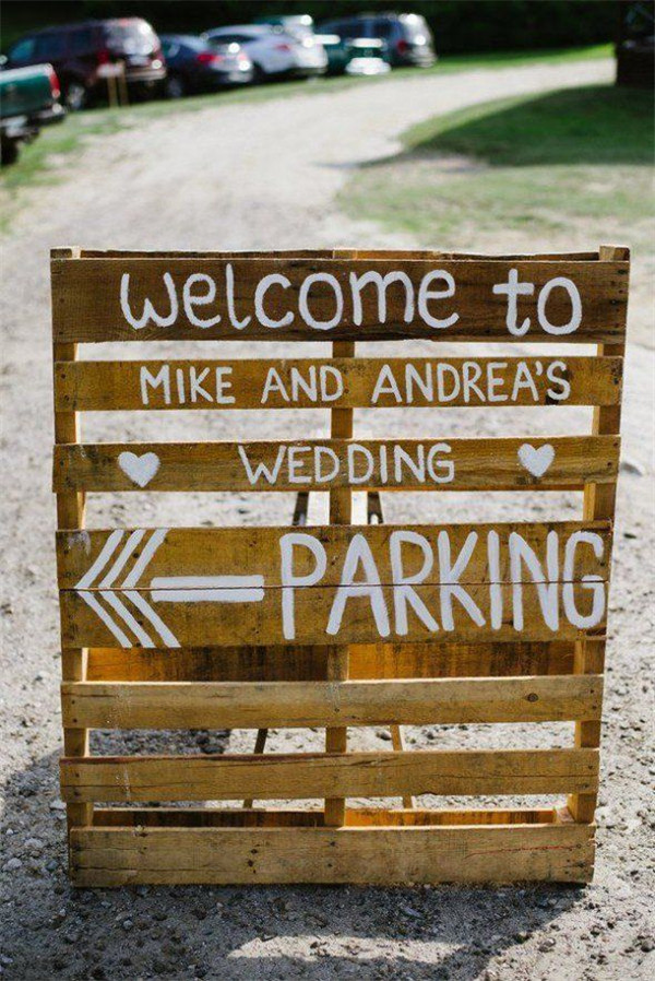 rustic and chalkboard Wedding Welcome Sign Ideas Your Wedding 2
