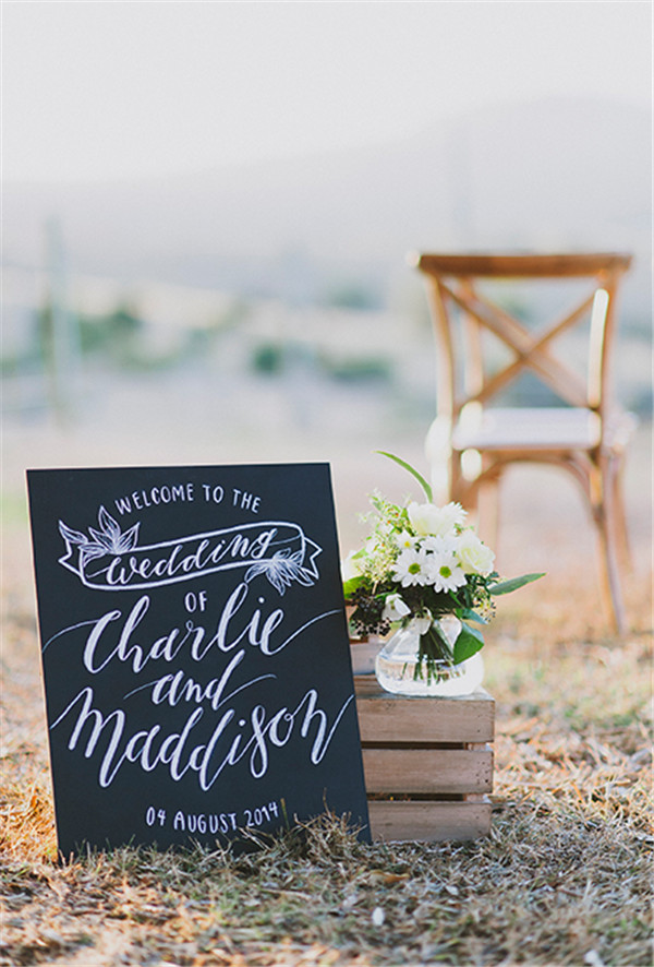 rustic and chalkboard Wedding Welcome Sign Ideas Your Wedding 6