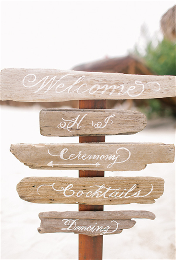 rustic and chalkboard Wedding Welcome Sign Ideas Your Wedding 7