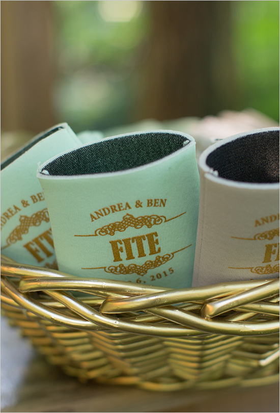 mint coozie favor idea for mint wedding