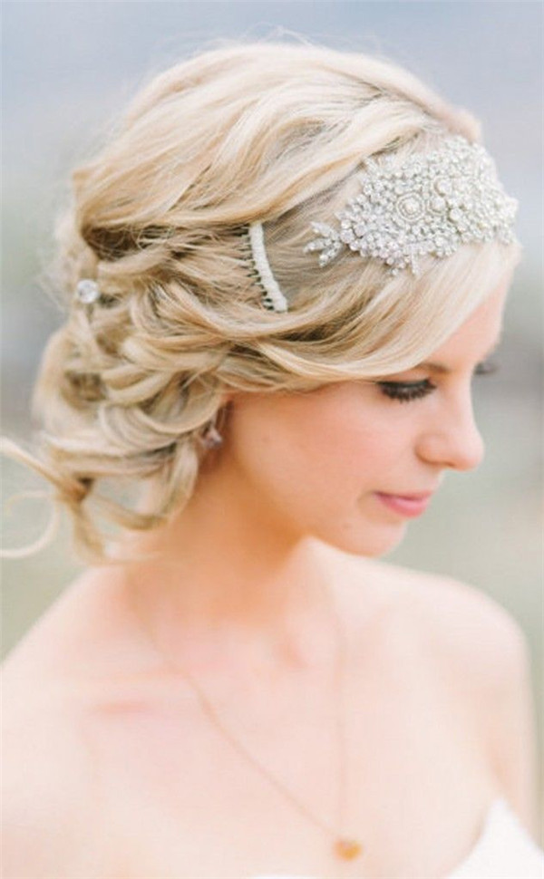 nice-wedding-hairstyles-for-short-hair | WeddingInclude