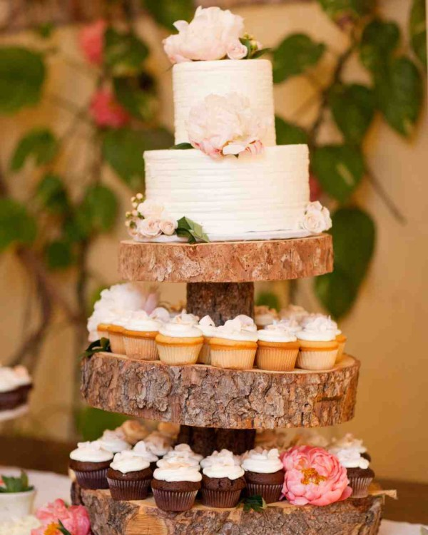 Confetti-Style Wedding Cake with wood