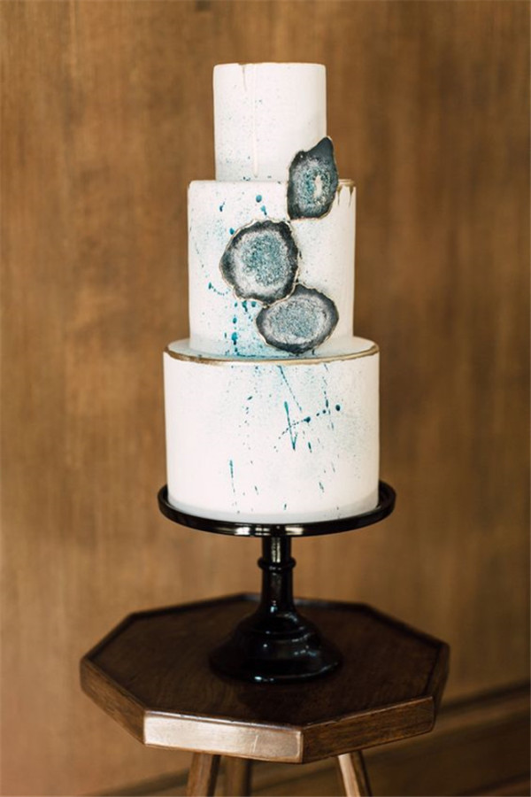 agate geodes wedding cake