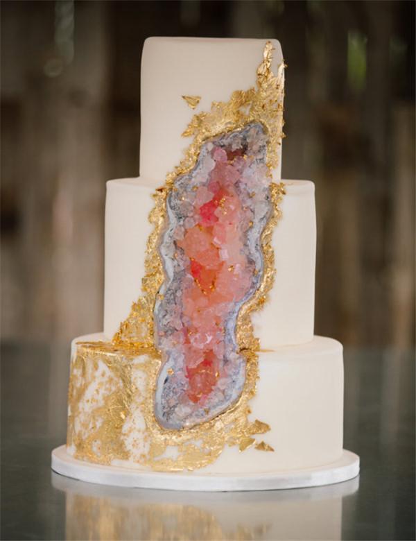beautiful amethyst cake