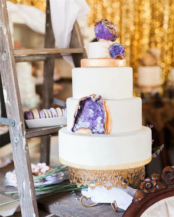 beautiful amethyst geode wedding cakedesign