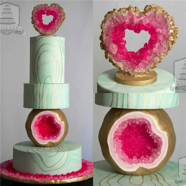 love heart amethyst Geode Wedding Cakes