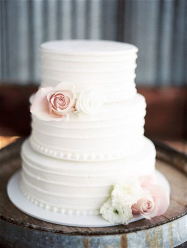 40 elegant and simple white wedding cakes ideas 7 classic white wedding cake junglespirit Images