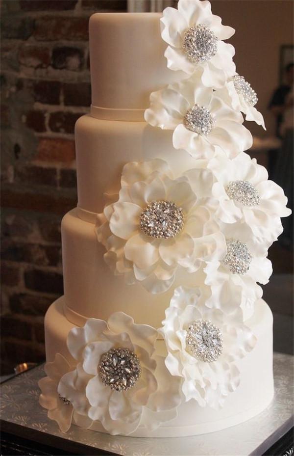 breathtaking white wedding cake