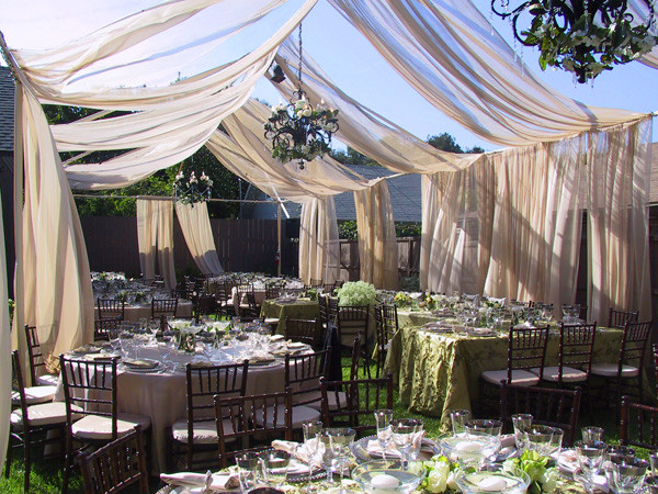 backyard wedding ideas 14
