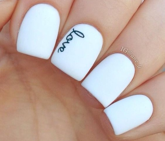 Our 30 favorite wedding nail design ideas for brides prinsesfo Images