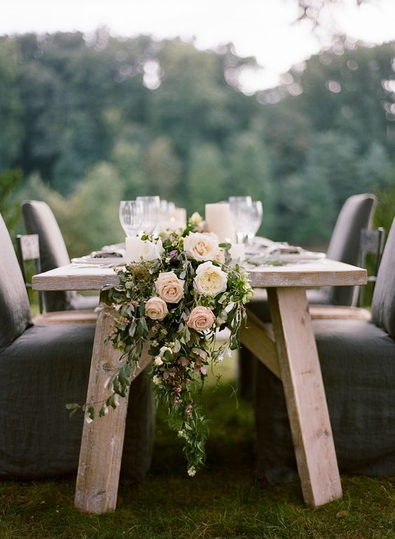Elegant Green Centerpiece with Flowers