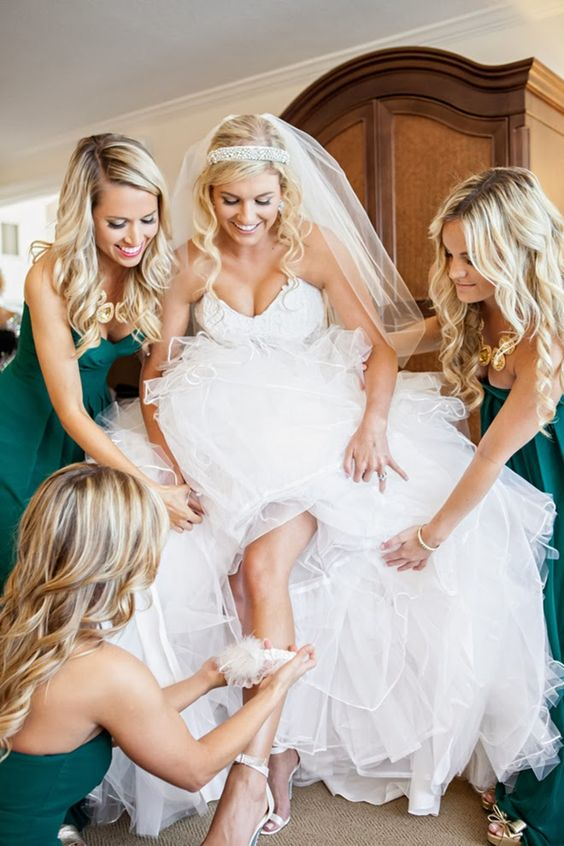 Pre-Wedding Photo ideas with Cute bridesmaid picture