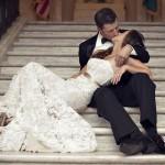 20+ Heart-melting Wedding Kiss Photo Ideas