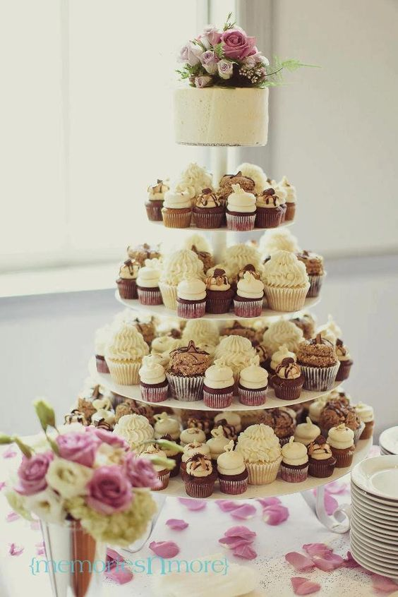 Gigis Cupcakes wedding reception cupcake