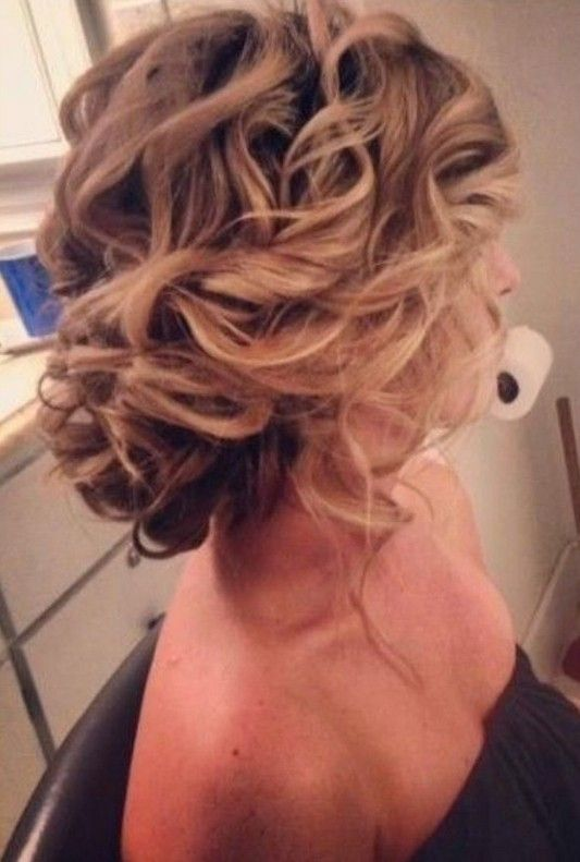 2 Hottest Bridesmaid Hairstyles For Long Hair