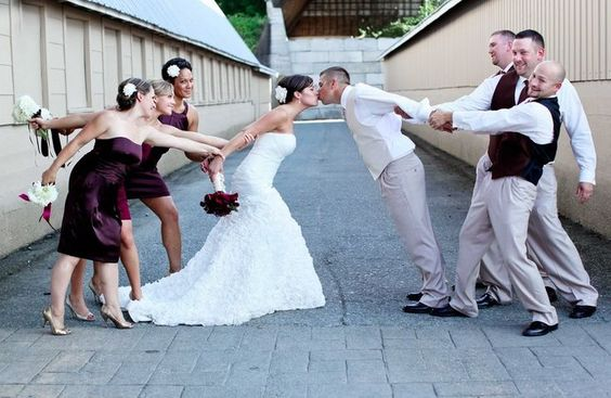 funny wedding kiss photos ideas