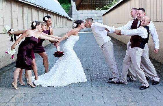 funny wedding kiss photos ideas