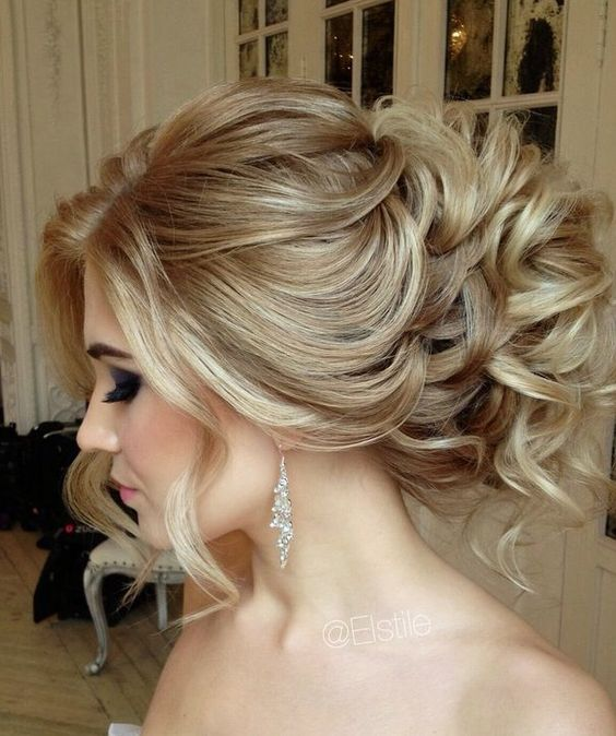 see the most glamorous wedding hairstyles of all from Elstile