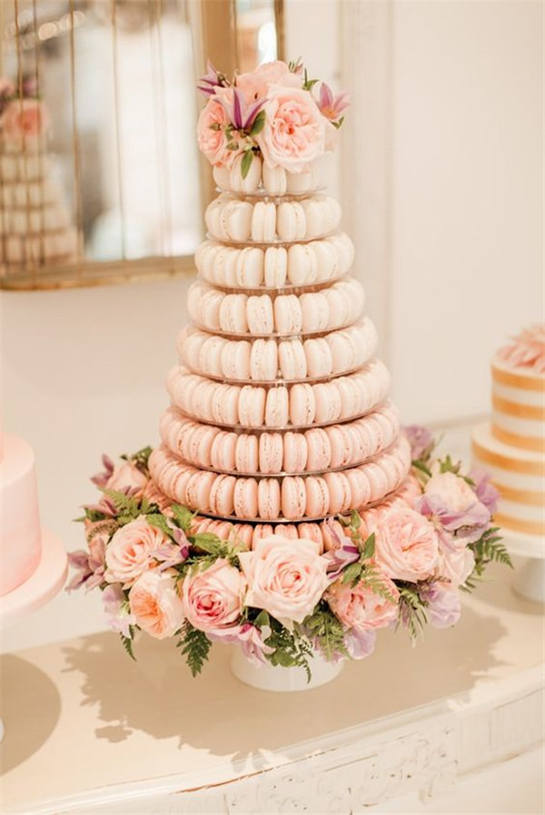 simple theme macaroon cake