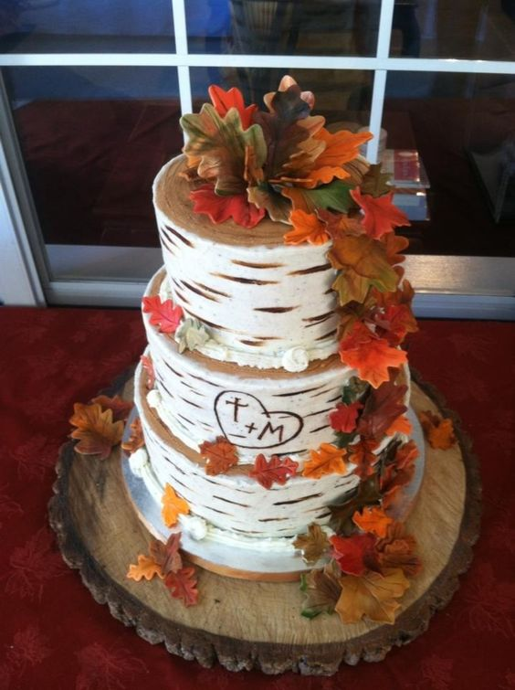 Birch Themed Fall wedding cake Ideas