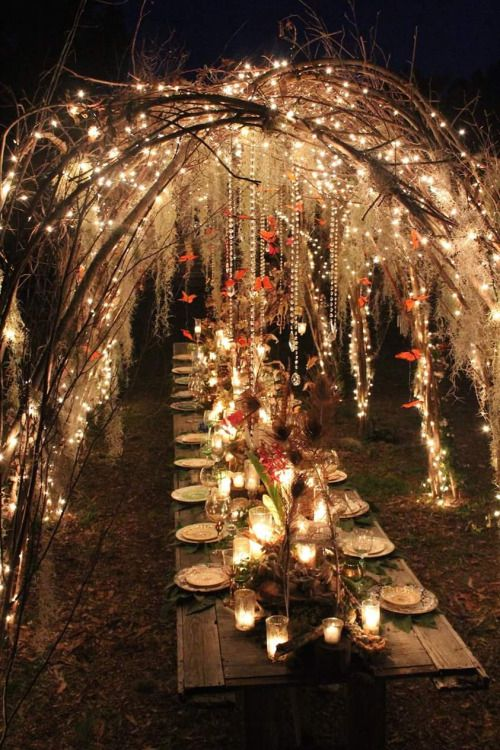 Can you envision this woodland-inspired wedding reception