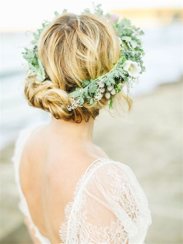 Coastal Bridal Inspiration with Organic Florals and Greenery