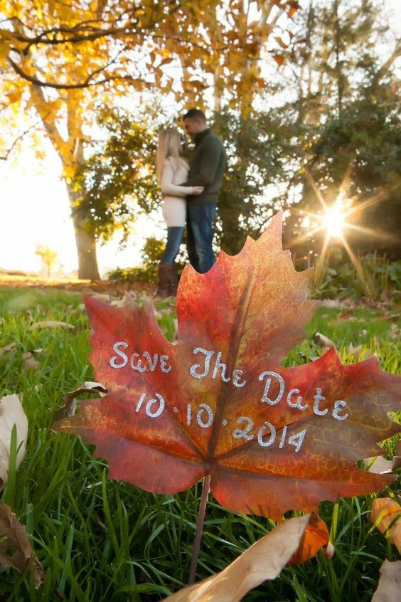 Creative save the date photo ideas for Fall Wedding