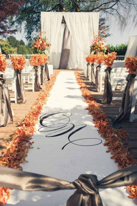 Fall wedding ceremony idea by Leanne Pedersen Photographers