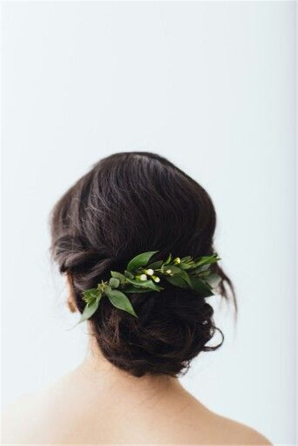 Greenery hair piece for Jen Tam by Blossom and Vine Floral Co