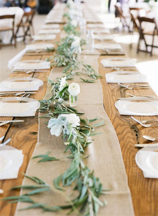 Rustic farm table runner ideas
