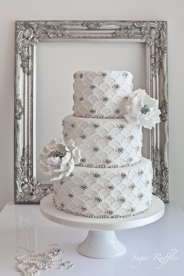 Silver Scalloped Wedding Cake new project for Cake Craft and Decoration