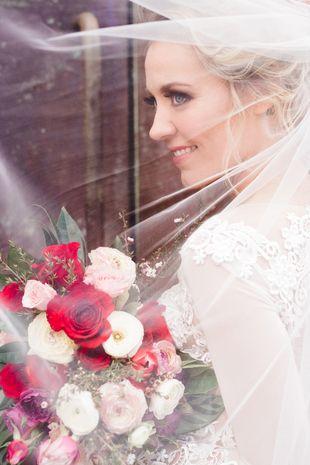 Wedding veil photo idea