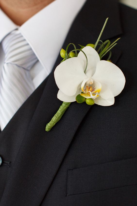 blue and white wedding - boutonniere