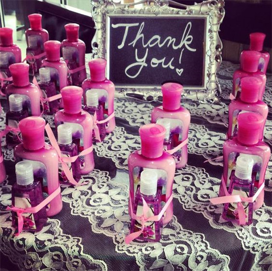 bridal shower Party favor idea is not only make practical gifts, but are so easy to DIY, too