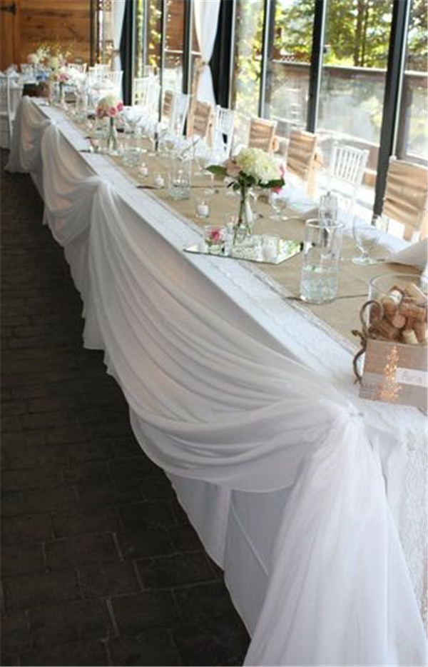 22 rustic burlap wedding table runner ideas you will love for Wedding party table decorations