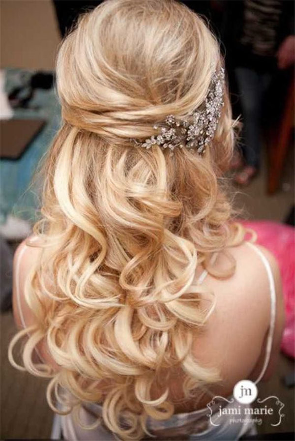 fabulous wedding hair with accessories photo by Jami Marie Photography