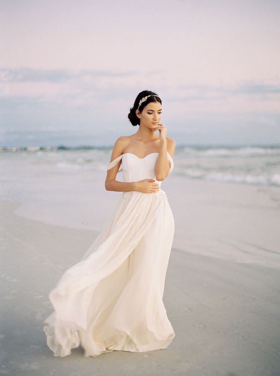 Chiffon and Lace Wedding Dress For Beach Wedding