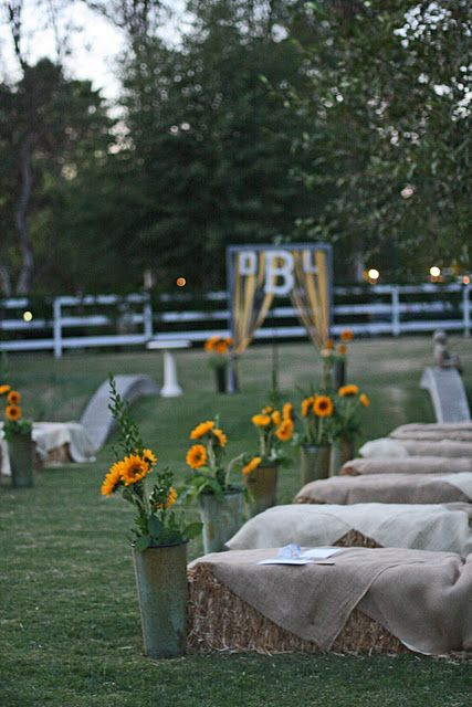 Country wedding all the way! Sunflower and burlap!